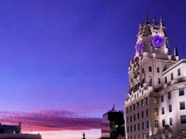 foto de la Gran Vïa de Madrid al atardecer